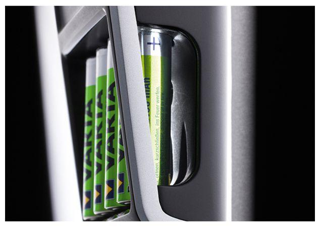 LCD Plug Charger Batterieladegerät 9V E-Block, AA , AAA